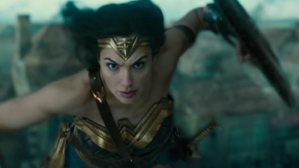 La siguiente película donde aparecerá La Mujer Maravilla será La Liga de la Justicia. Se estrena en noviembre.