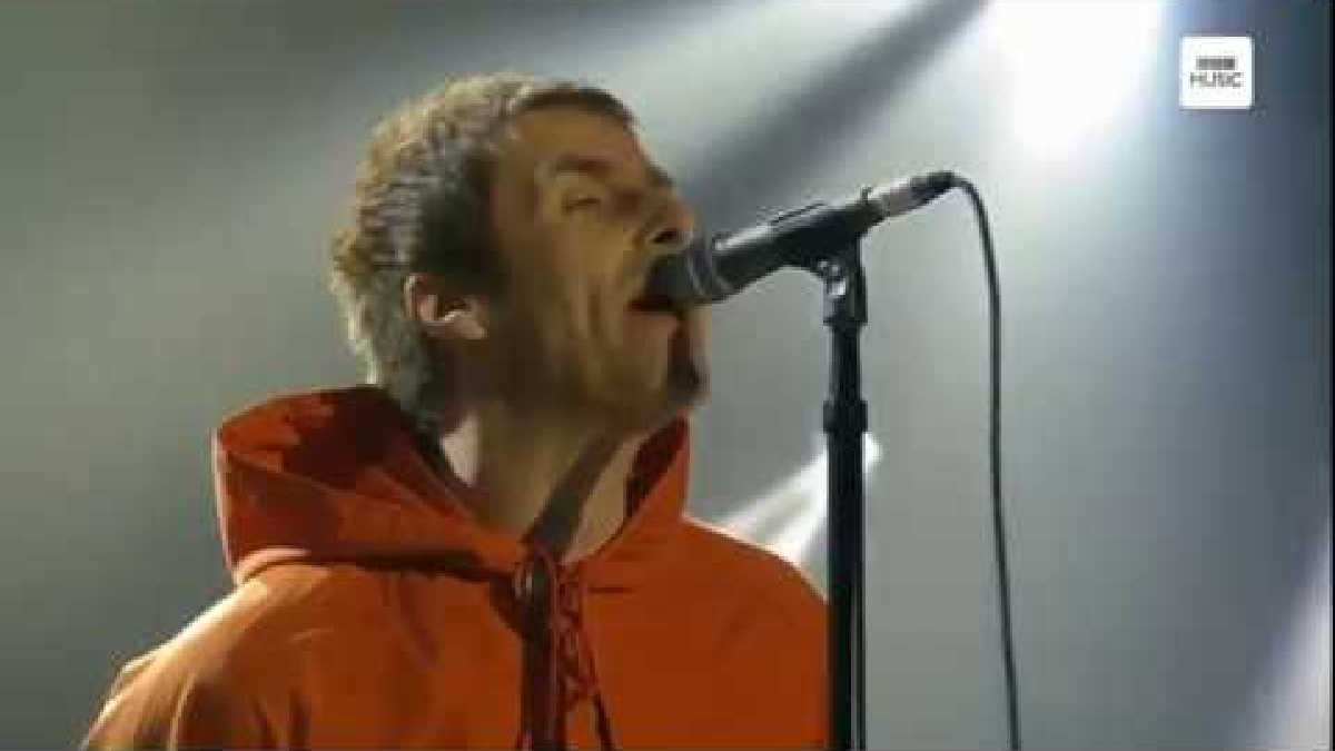 Liam Gallagher & Chris Martin - Live Forever