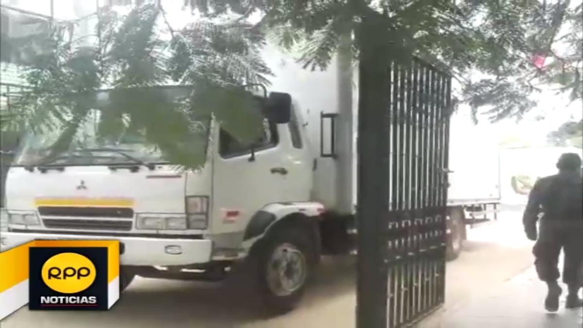 En tanto, hoy otro camión ingresó a la base Antidrogas para su inspección.