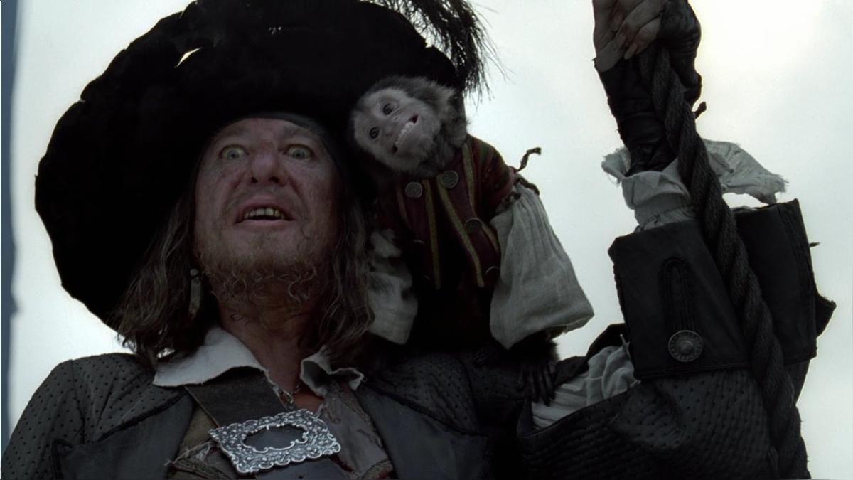 Escena del mono Jack en Piratas del Caribe.