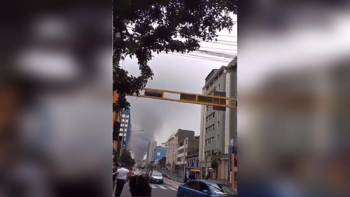 Usuarios compartieron imágenes del incendio en el centro de Lima.