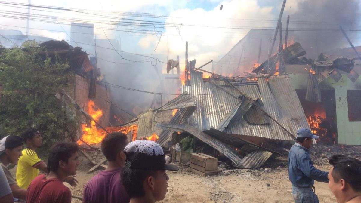 Incendio alarma a familias del distrito de Iquitos.