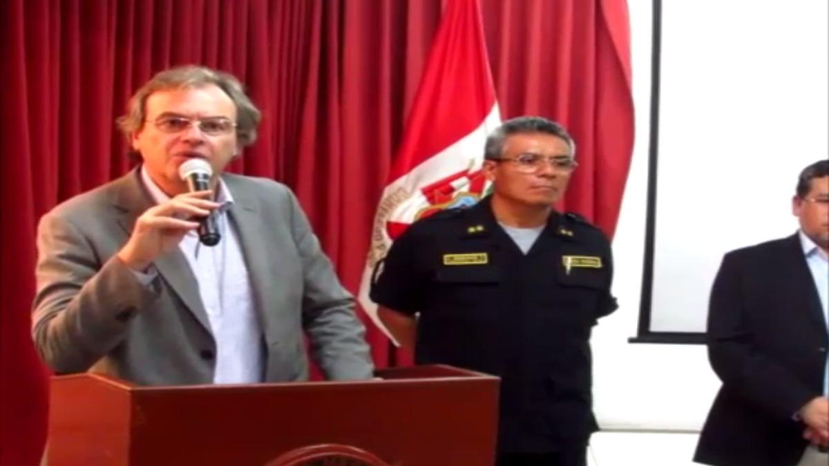 El Ministro del Interior, Carlos Basombrío, señaló que bandas ofrecían