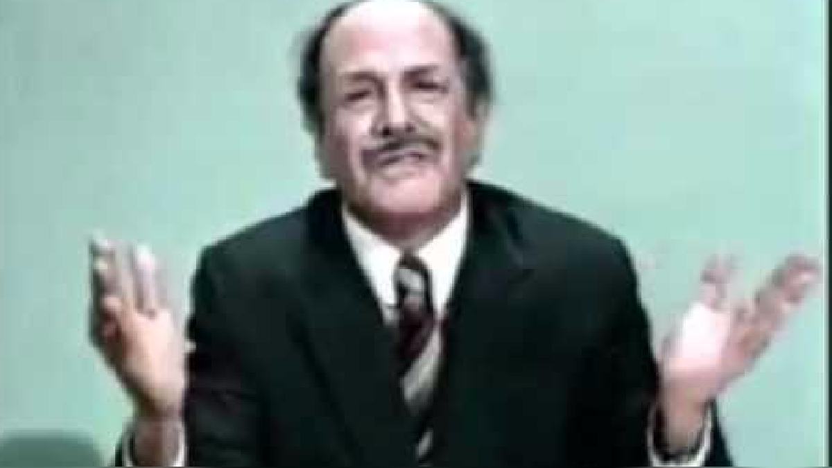 Guillermo Rossini imitando al ex ministro Juan Carlos Hurtado Miller.