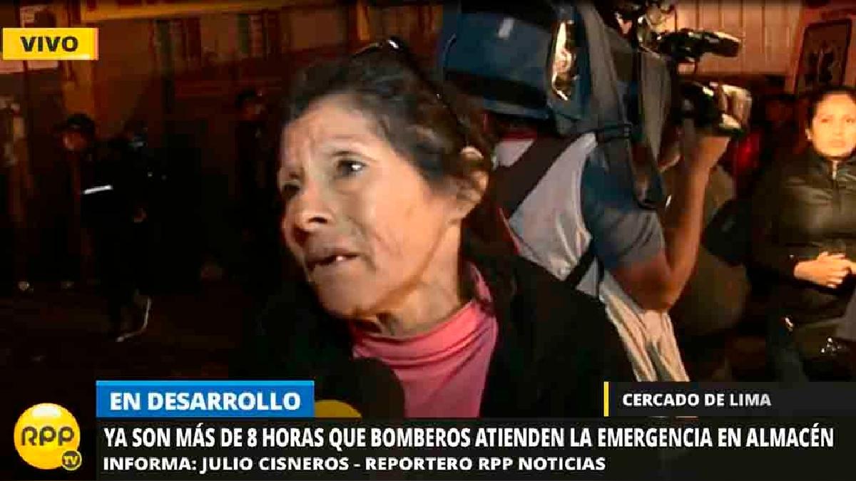Bertha Villalobos dijo que se comunicó con su hijo cuando empezó el incendio.