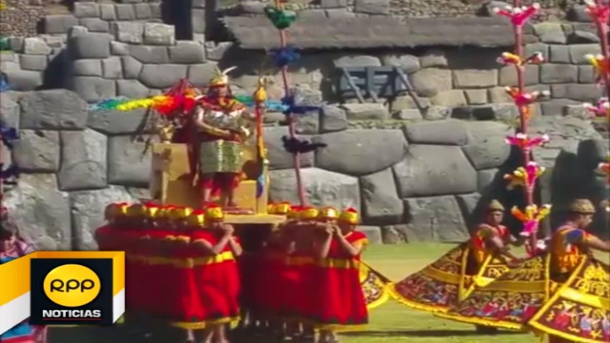 Turistas nacionales y extranjeros fueron testigos de la majestuosa ceremonia inca.