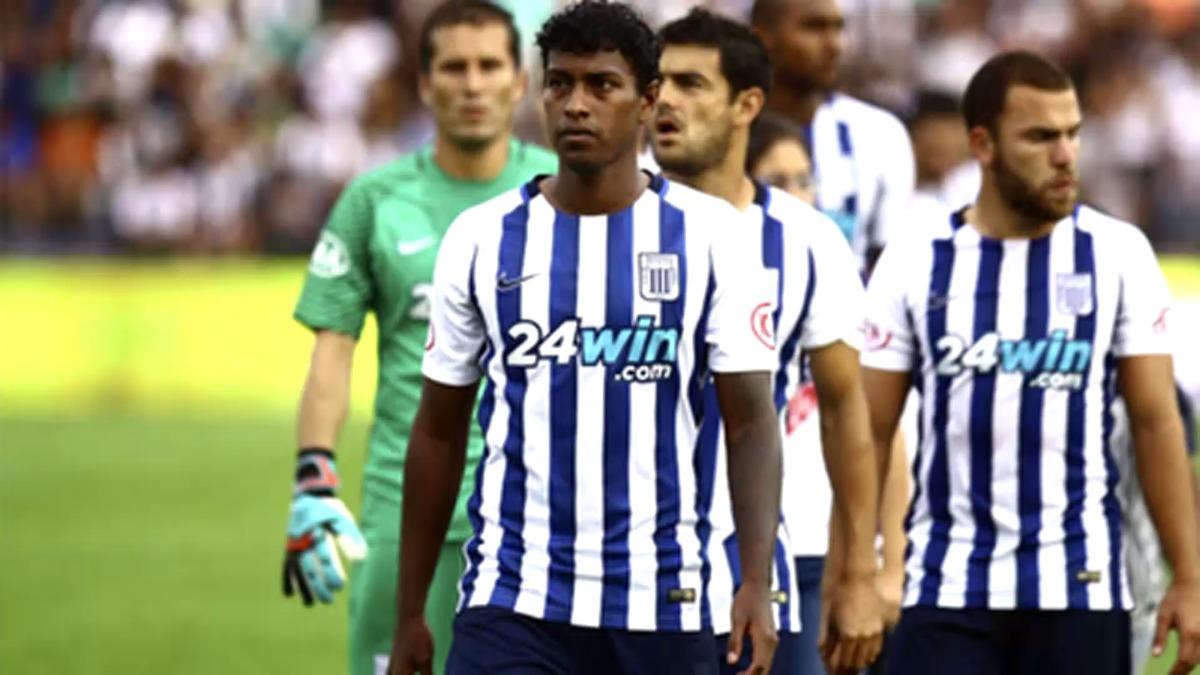 Miguel Araujo tiene 22 años y jugó las Eliminatorias a Rusia 2018 con la Selección Peruana en la era de Ricardo Gareca.