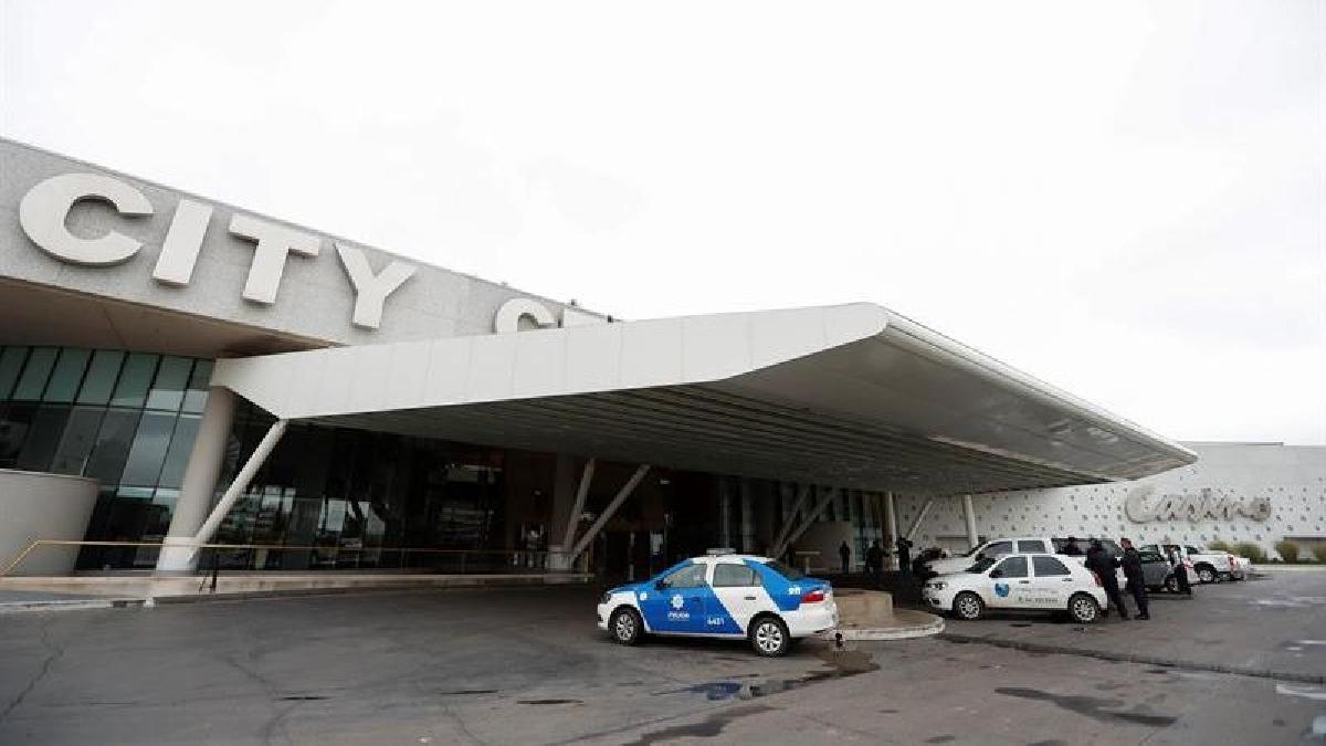 Carlos Vaudagna, director regional de la AFIP en dicha localidad, negó rotundamente que el procedimiento esté relacionado con el hotel o con la boda del capitán de la albiceleste.