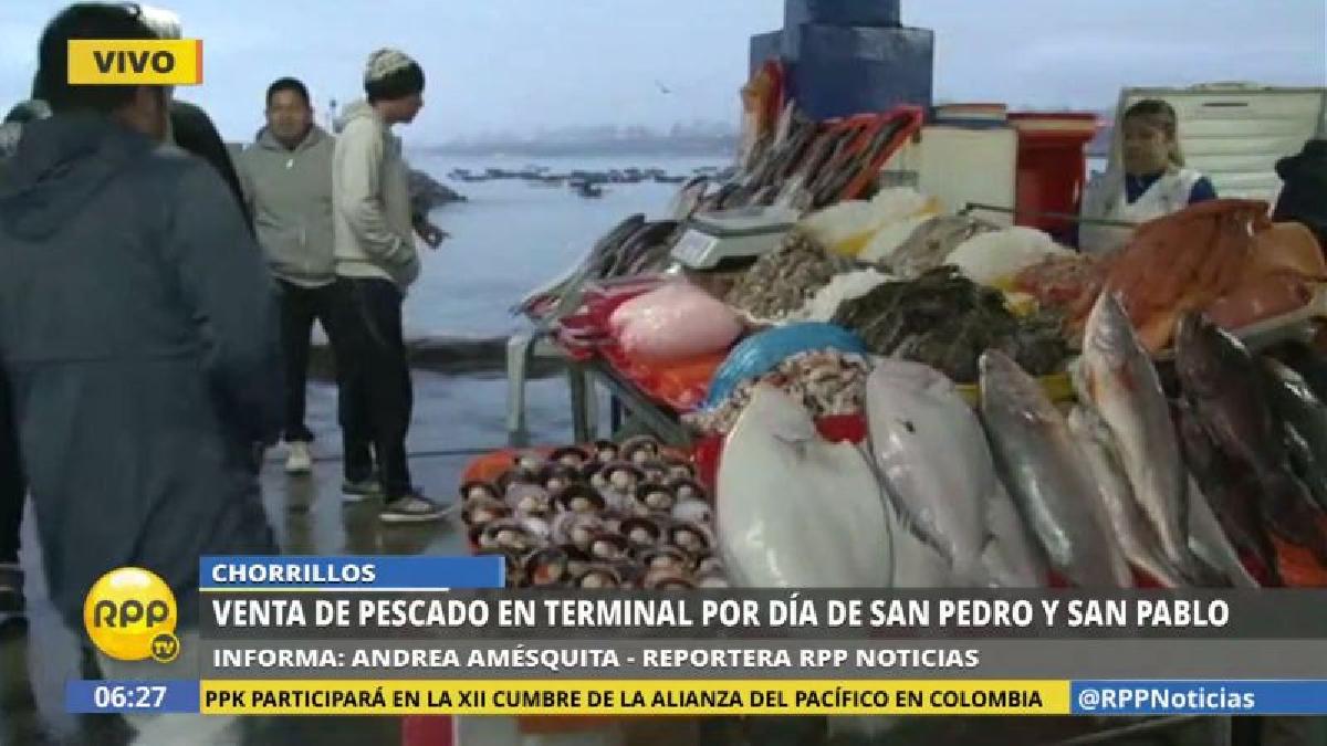 Desde las primeras horas del día ha aumentado la afluencia de público en el terminal pesquero de Chorrillos.