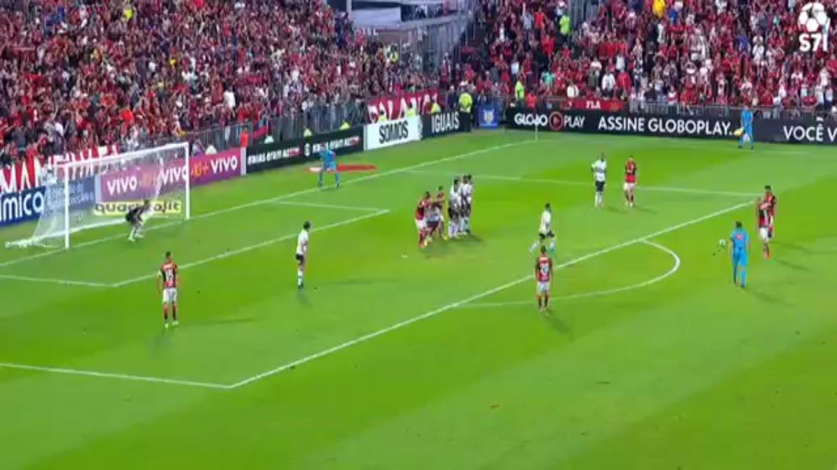 Paolo Guerrero abrió el marcador con una excelente definición de táctica fija.