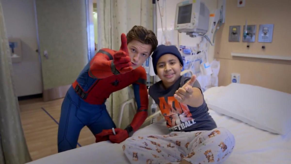 Así fue la visita del actor al Hospital de Niños de Los Ángeles.