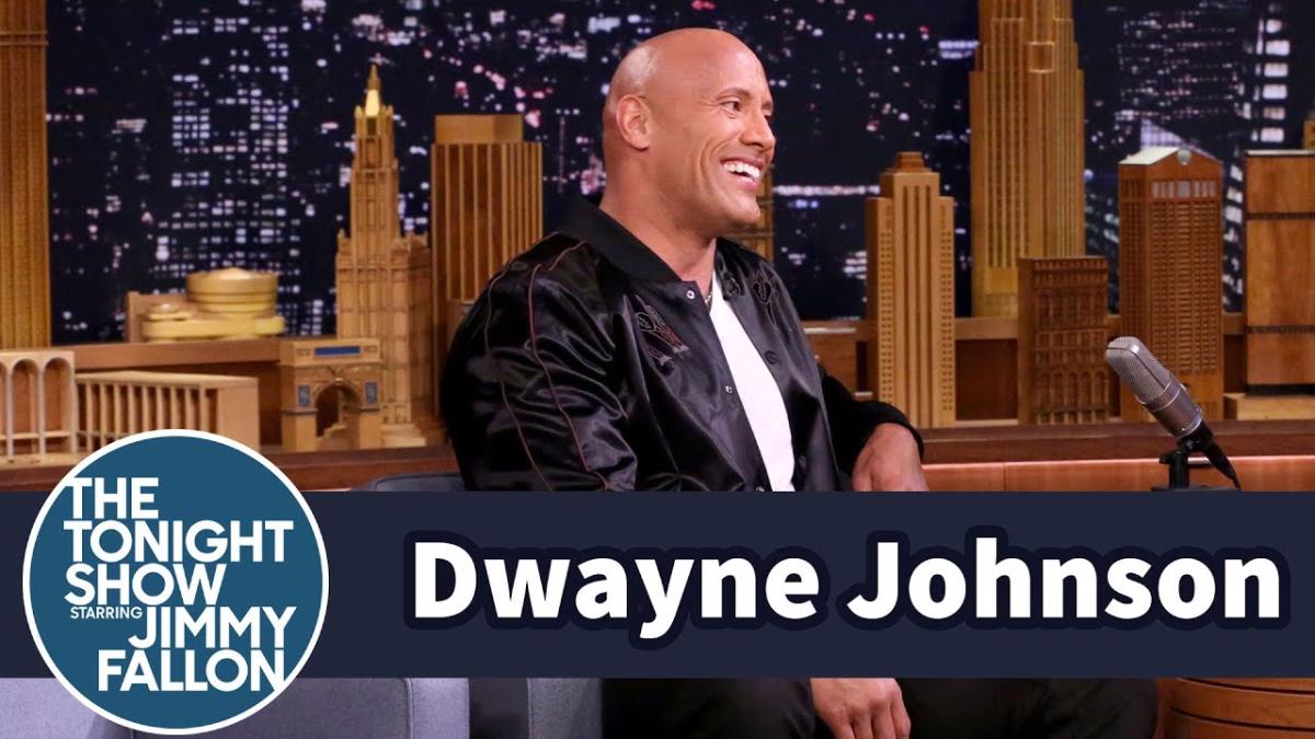 En el show de Jimmy Fallon se rumoreó sobre una posible candidatura a la presidencia a lo Dwayne Johnson solo sonrió.
