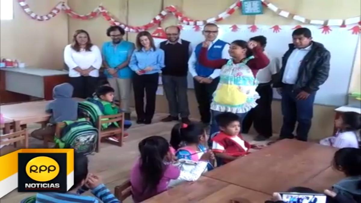 Un total de 391 escolares damnificados de Piura se beneficiaron con esta entrega.