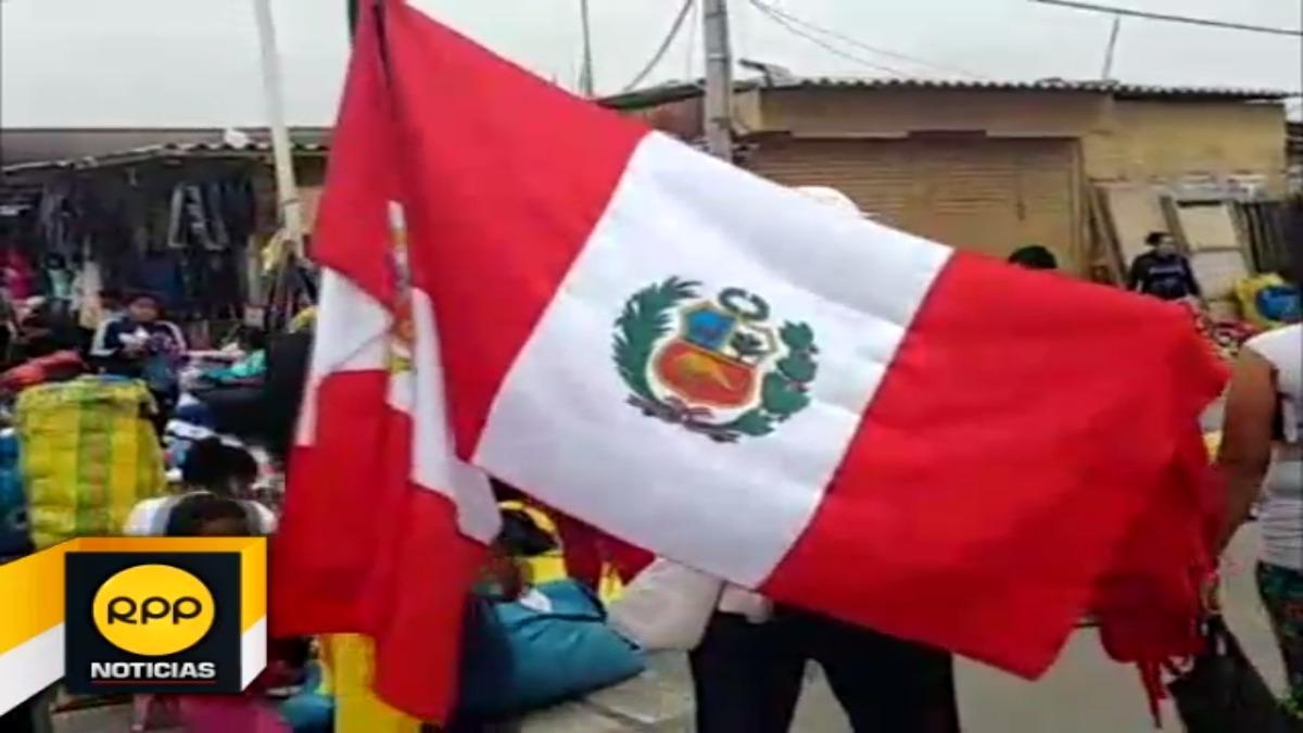 Comerciantes ofertan productos por Fiestas Patrias