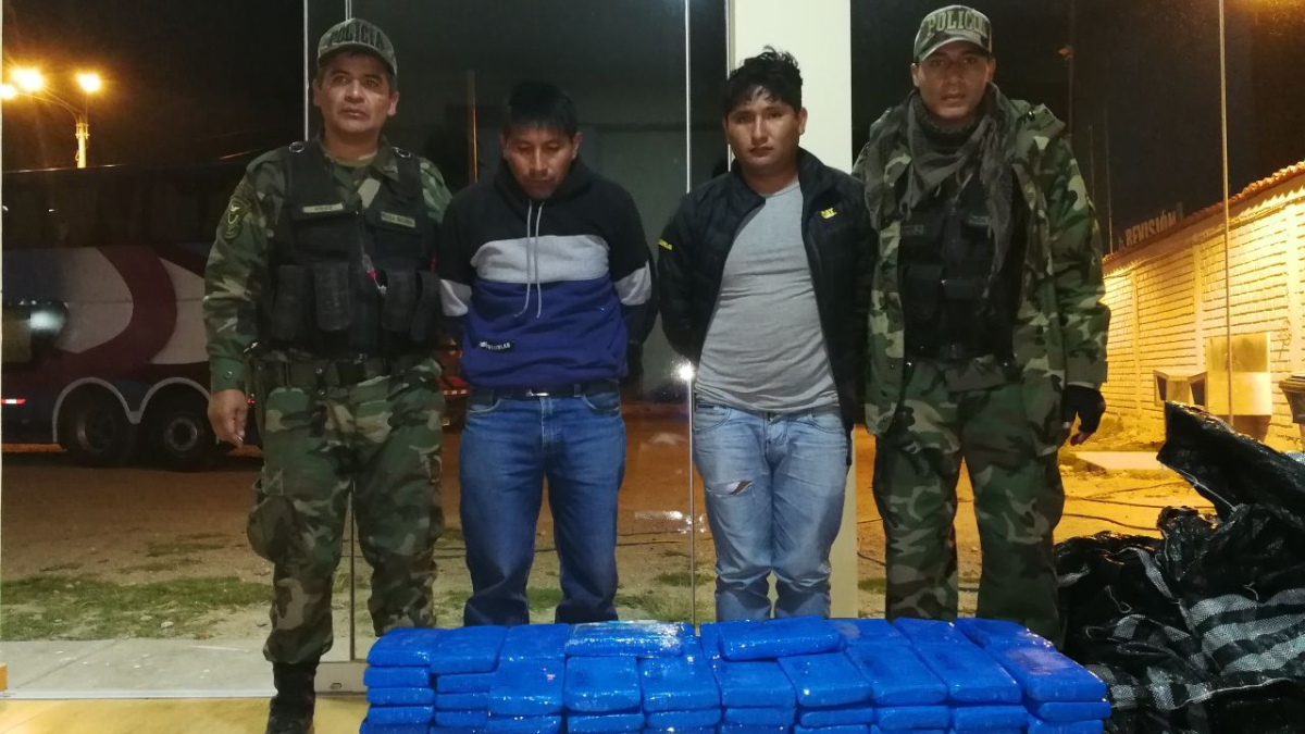 Tres personas quedaron detenidas para las investigaciones a cargo del fiscal antidrogas, Jorge Camargo.