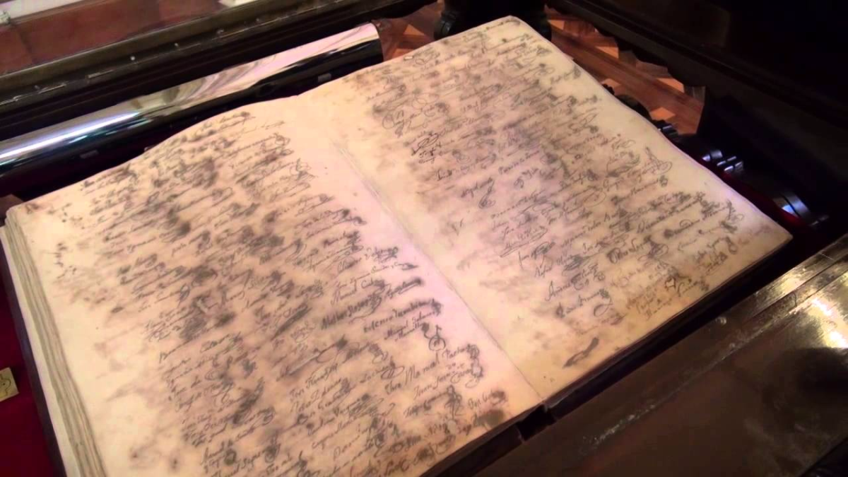 Biblioteca Municipal exhibe el Acta original de la Independencia del Perú