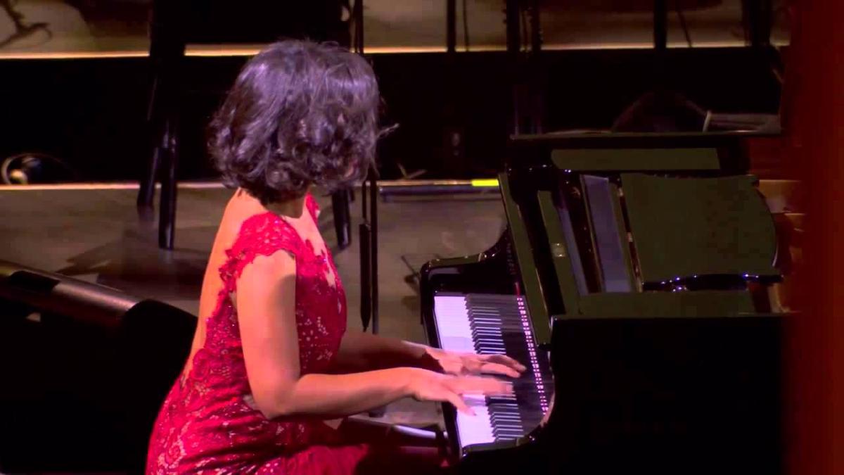 Kathia Buniatishvili - Claude Debussy: Clair de lune