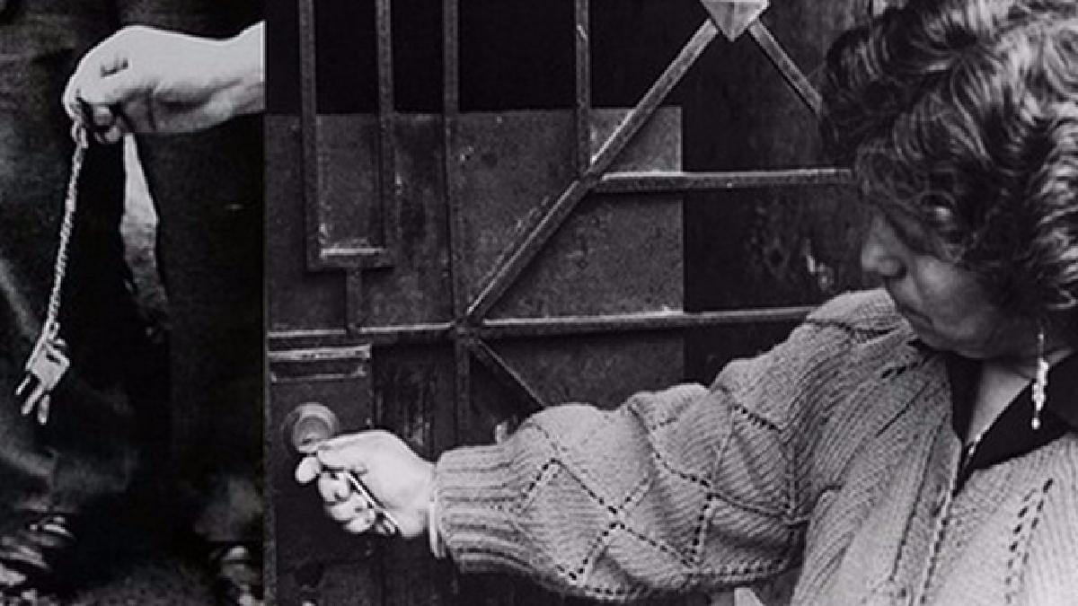 Reportaje realizado por el Lugar de la Memoria y la Reconciliación sobre el caso La Cantuta. Durante la diligencia, se comprobó que una de las llaves desenterradas correspondía a Armando Amaro Cóndor.