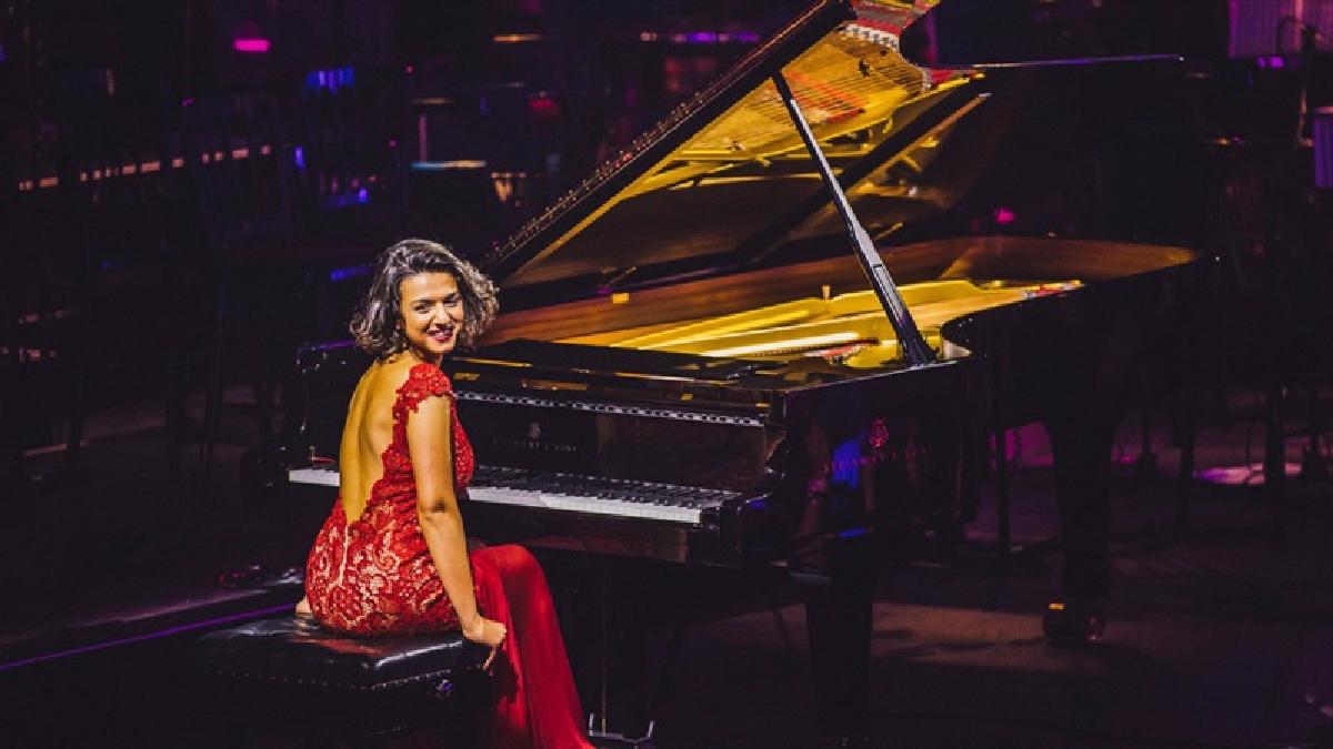 Khatia Buniatishvili es una pianista de concierto nacida en Georgia.