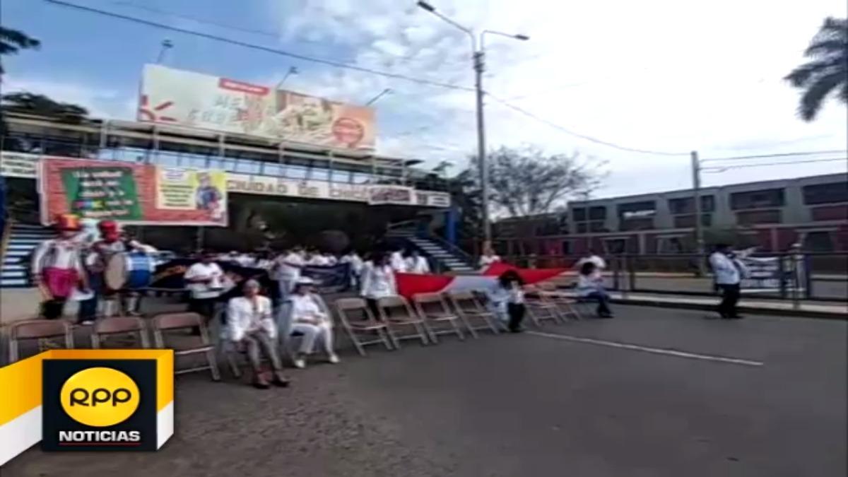 Médicos lambayecanos realizaron una singular protesta