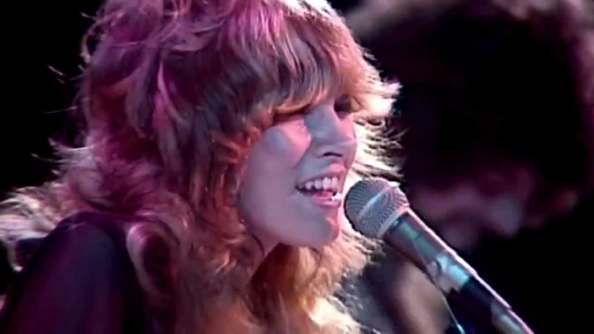 Fleetwood Mac - Rhiannon (Official Music Video)
