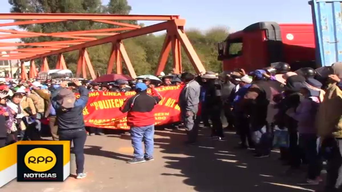 Profesores impidieron el tránsito del transporte interprovincial y nacional.