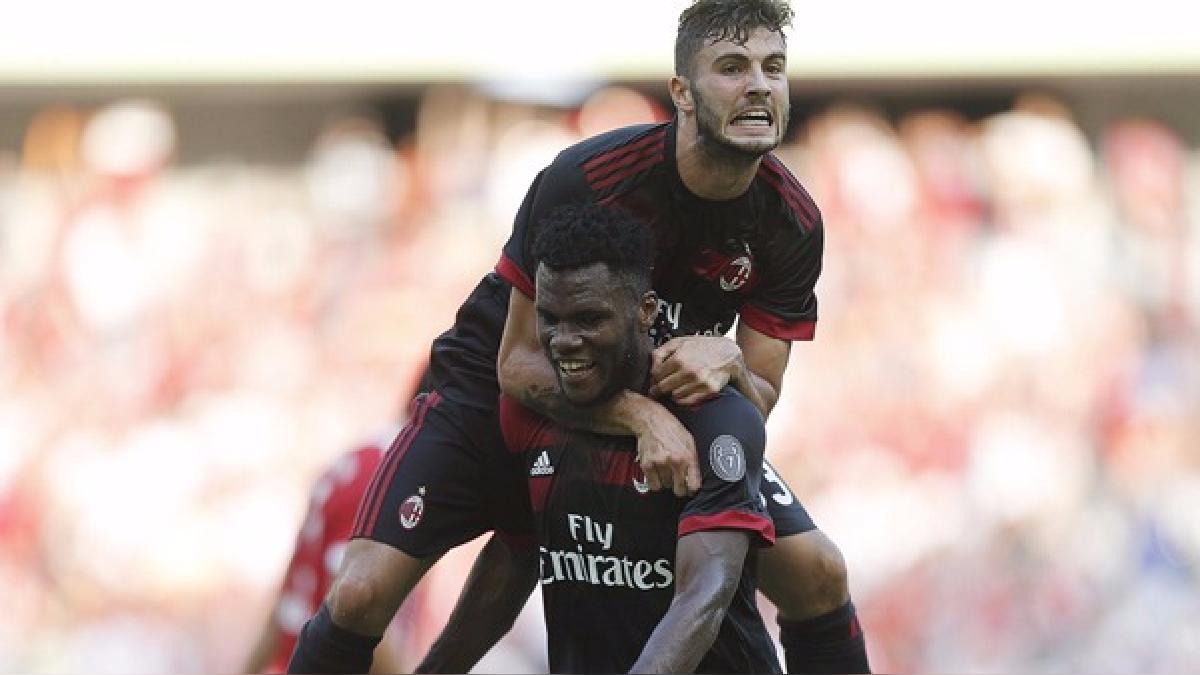El Milan celebra tras el triunfo ante Bayern Munich.