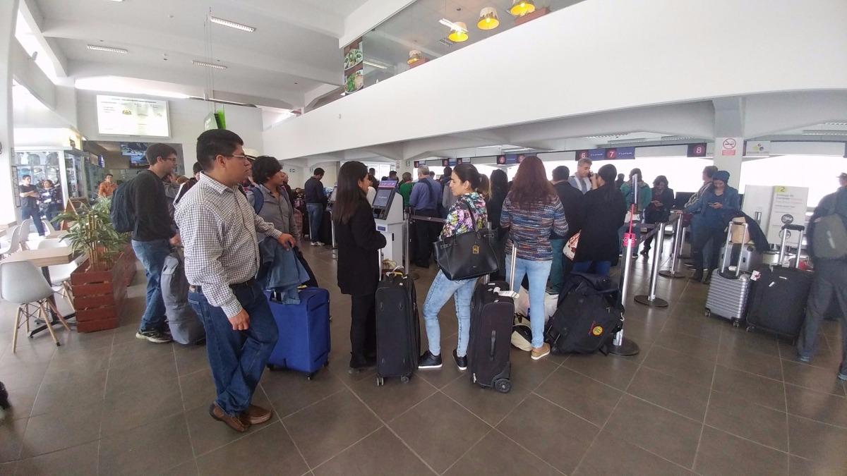 Pasajeros varados por más de tres horas en aeropuerto de Chiclayo.