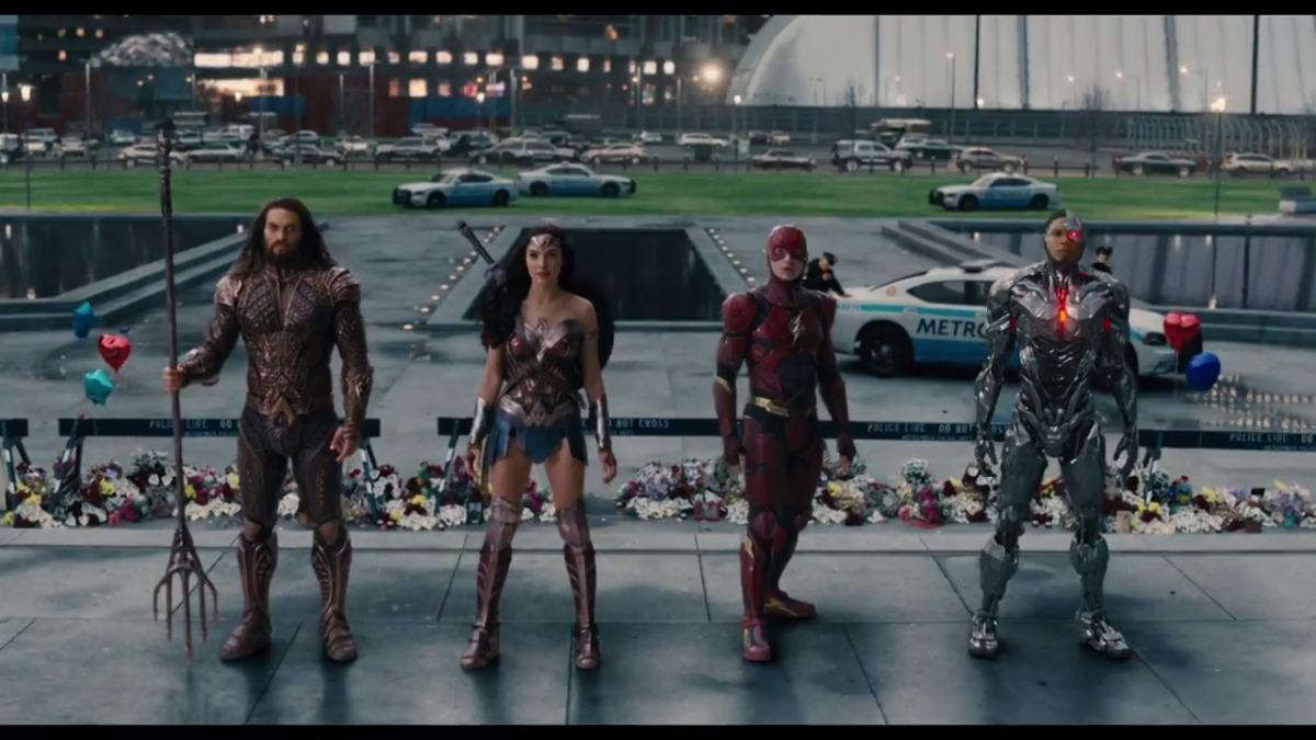 Batman, Wonder Woman, The Flash, Cvborg y Aquaman aparecen juntos en nuevo tráiler de Justice League.