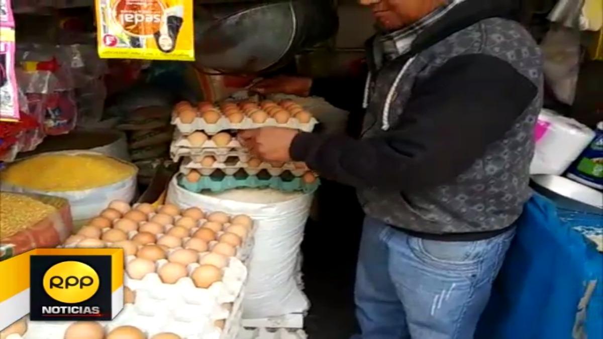 Actualmente, cada limón cuesta 0.50 céntimos y un huevo 0. 40.