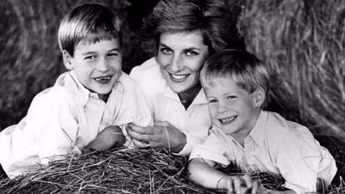 Los hijos de la Princesa de Gales, William y Harry, revelan detalles de su vida tras la muerte de su madre en 1997.
