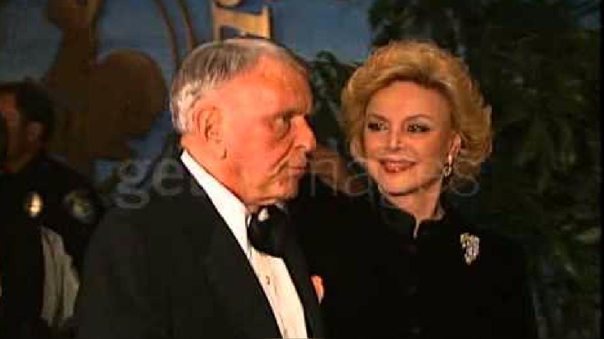 Frank Sinatra y Barbara en 1996