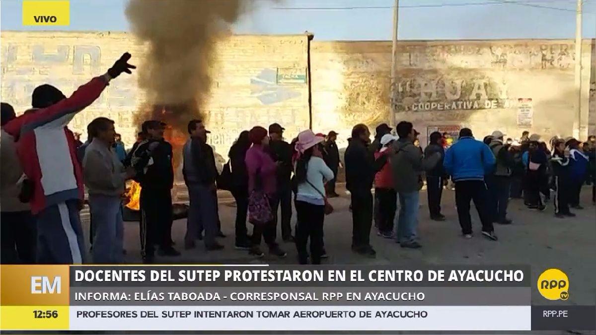 La huelda se sintió este miércoles en La Oroya y Ayacucho, donde internaron tomar el aeropuerto de Huamanga.