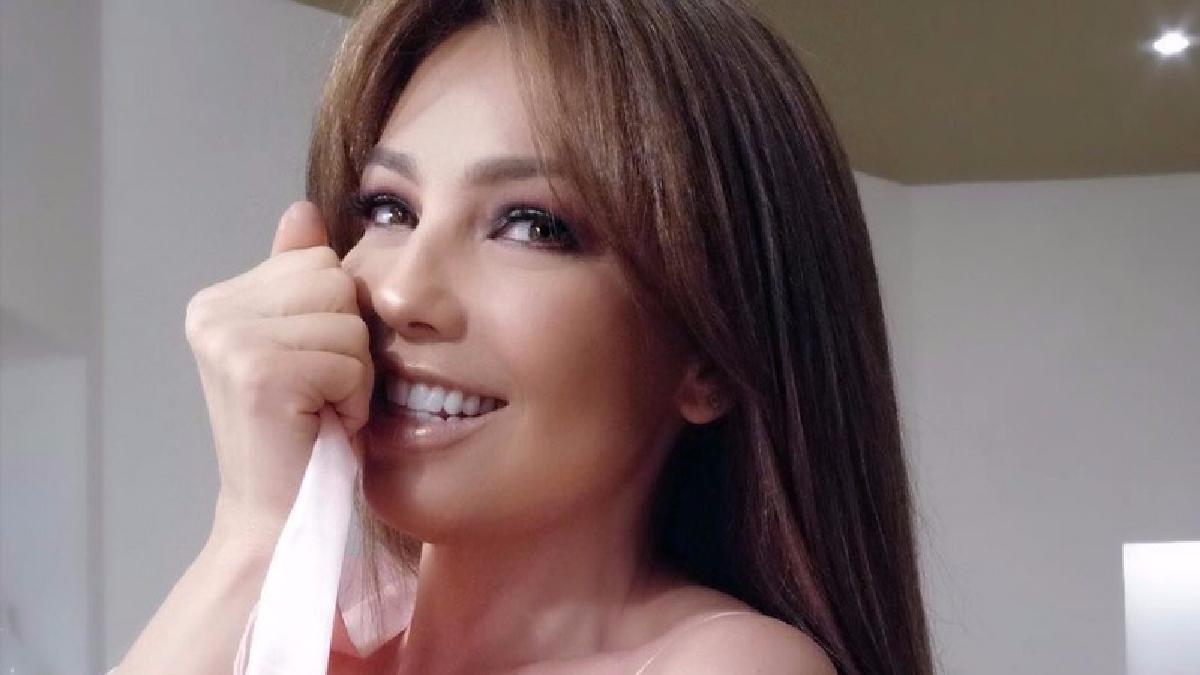 Thalía revela el secreto de su cintura y confirma lo que muchos sospechaba.