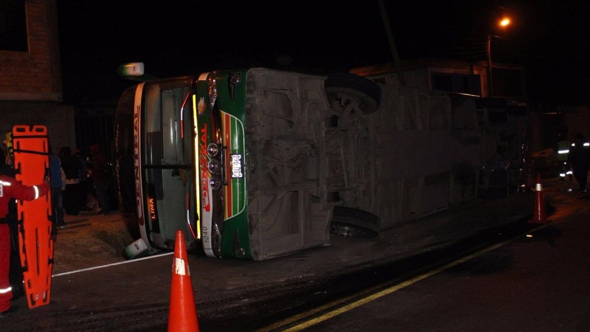 El conductor Elmer Ramos Palpa así como 37 pasajeros resultaron heridos.