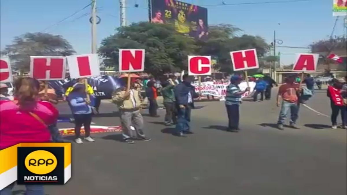 Docentes amenazaron con continuar con sus demandas de no ser escuchados por las autoridades.