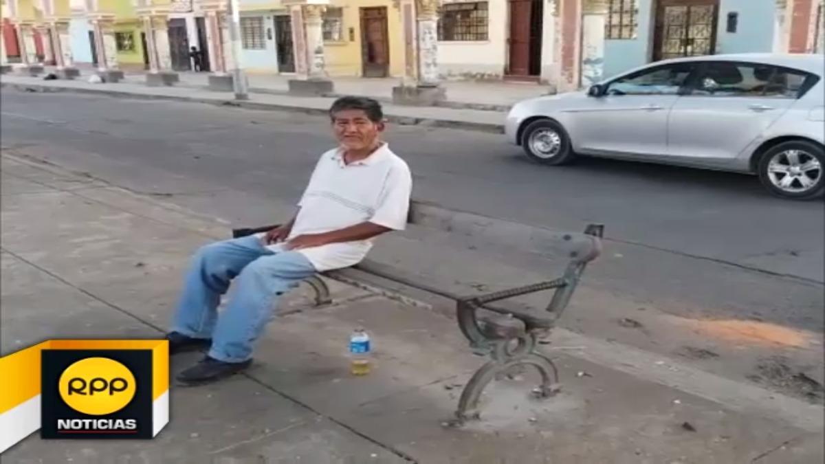 Carlos Salas Torres tiene 67 años y aún vive en un módulo tras diez años de ocurrido el sismo. Aún tiene la esperanza que la iglesia del Señor de Luren sea reconstruída.