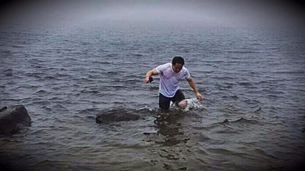 El parlamentario afirmó haber viajado por más de ocho horas para llegar a la laguna.