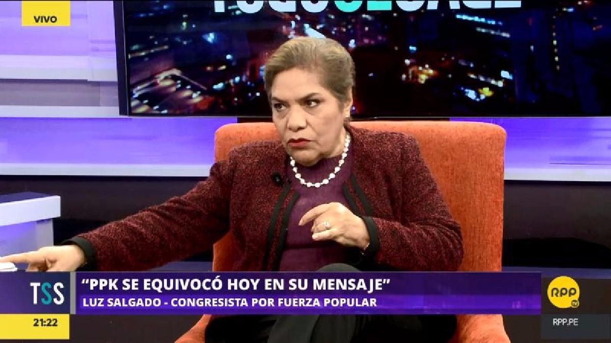 La congresista se mostró en contra del mensaje de PPK y le criticó por generalizar a los maestros como terroristas.