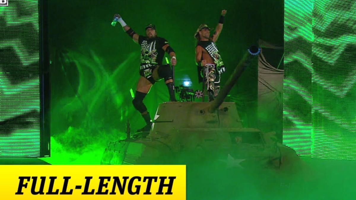 Triple H y Shawn Michaels llegaron en un tanque de guerra a Summerslam.