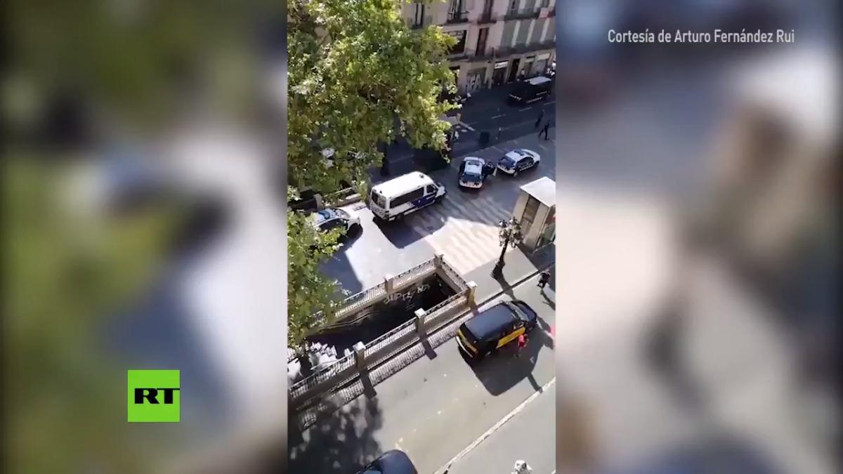 Atentado en Barcelona | Una furgoneta atropella a decenas de personas en Barcelona.