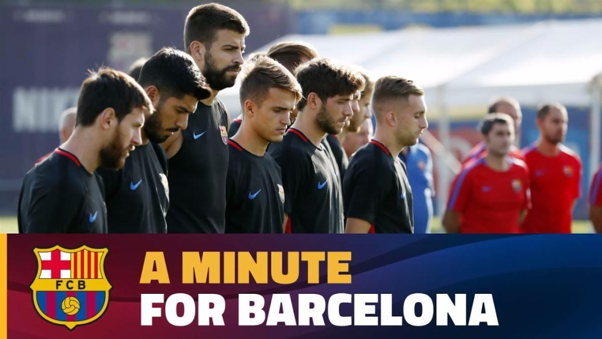 Absolutamente todos los trabajadores del club participaron en el minuto de silencio.