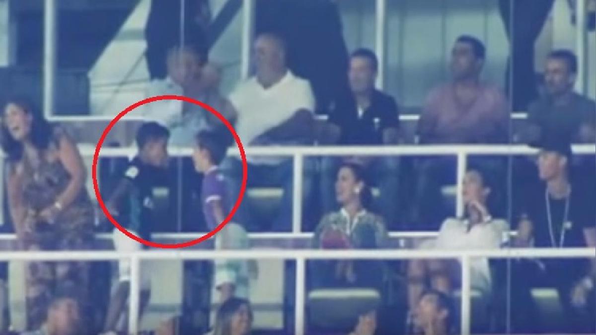 Cristiano Ronaldo tiene tres hijos: Cristiano Ronaldo Jr. y los mellizos Eva y Mateo. Georgina espera el cuarto hijo de 'CR7'.