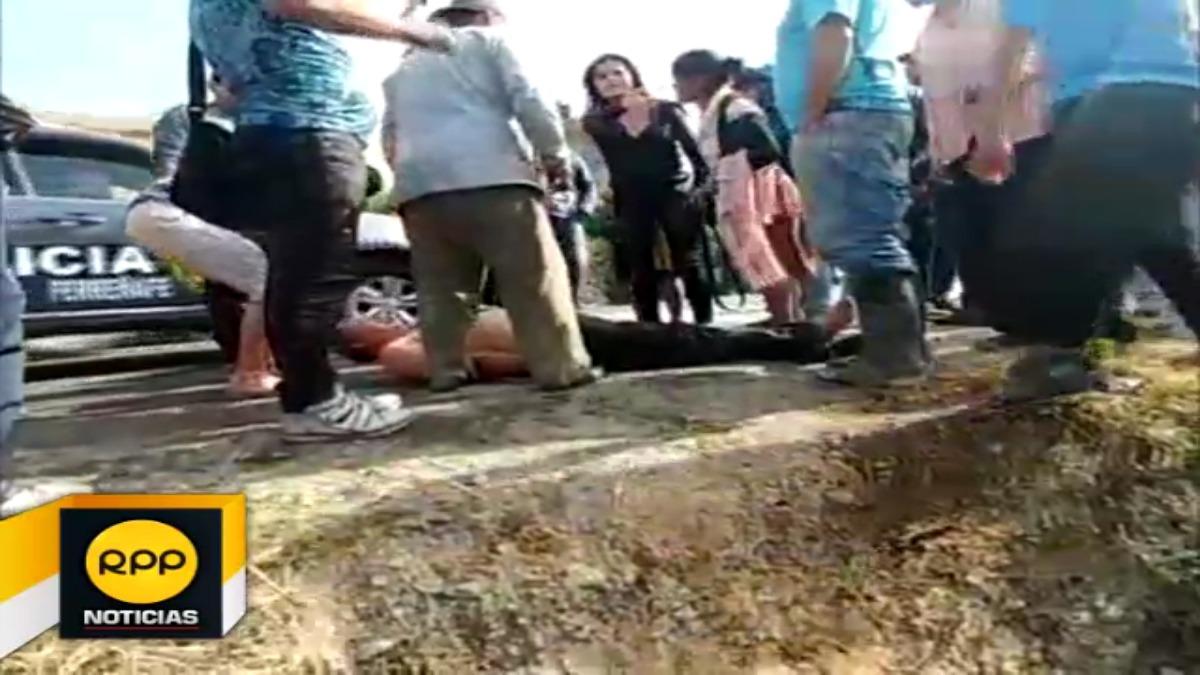 La unidad cayó a un río ubicado en la carretera Chiclayo - Picsi. Entre las pasajeros se encontraba una madre con su bebé.