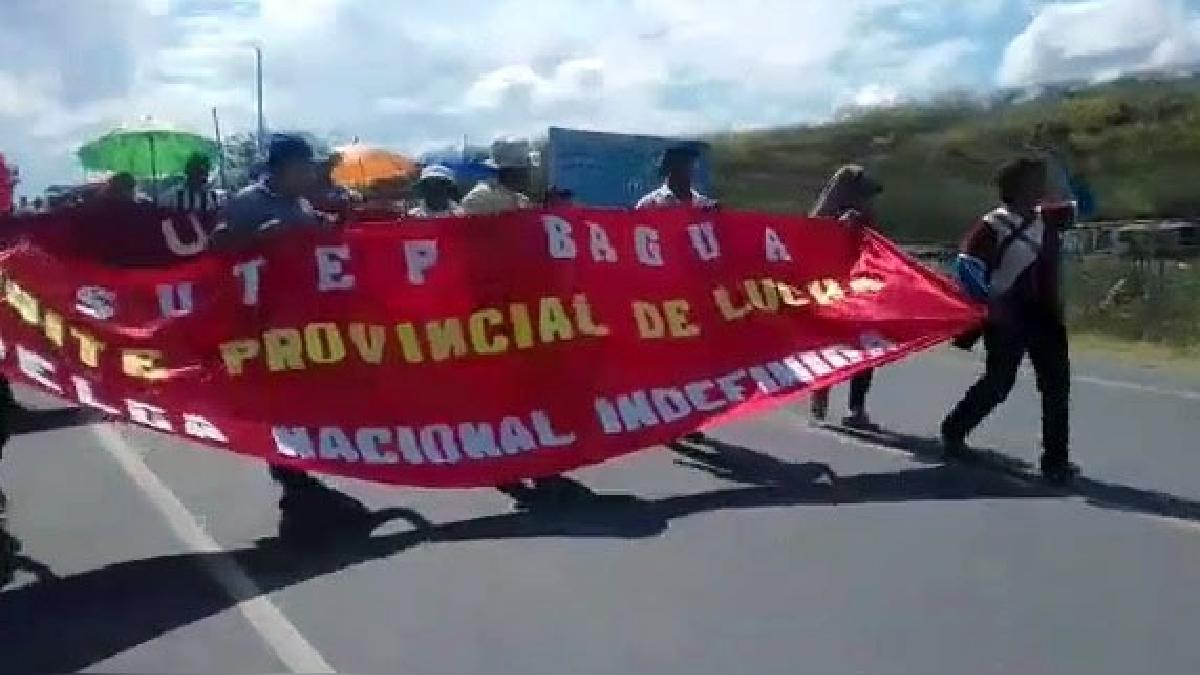 Profesores del Sutep Bagua se movilizaron por la Carretera Belaúnde Terry.