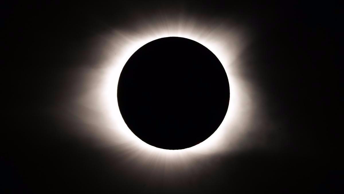 El eclipse solar se vio en toda su plenitud en Estados Unidos.