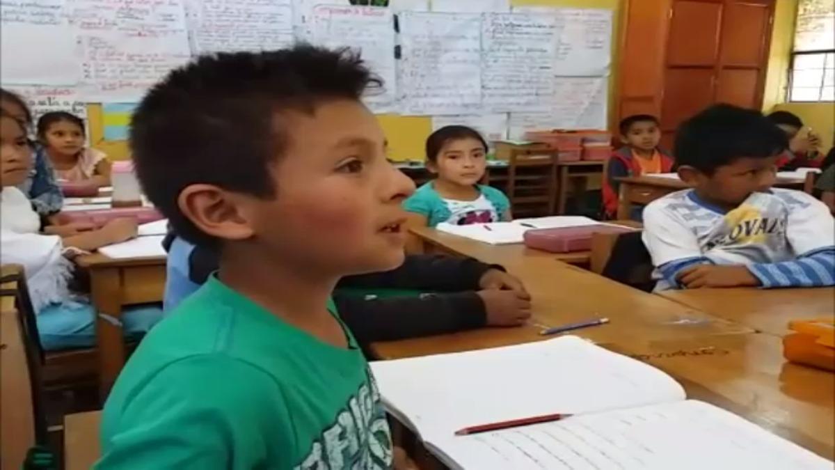 Escolares acuden a clases con normalidad en algunos colegios de Ayacucho.