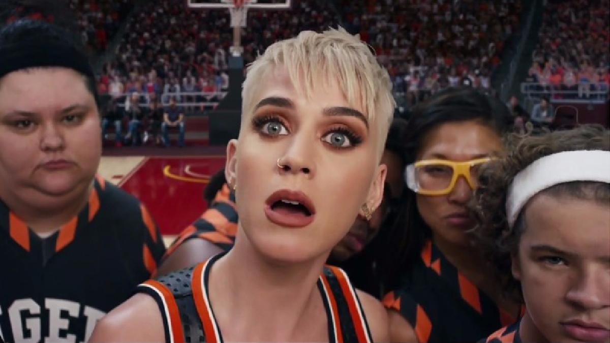 Katy Perry estrenó Swish Swish junto a la cantante Nicki Minaj.