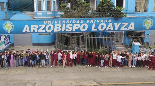 La universidad se encuentra ubicada en la avenida Arequipa 979, en Cercado de Lima.