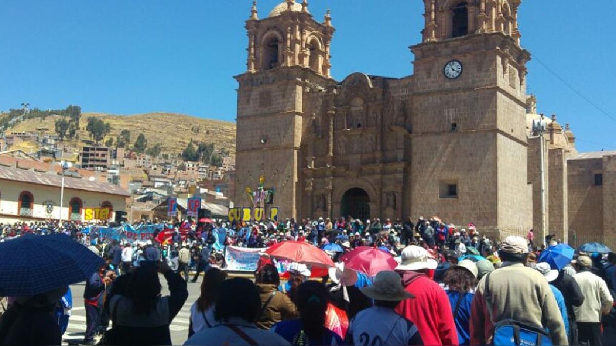 Grupos marcharon en las provincias de la región, en algunos puntos bloquearon las vías de comunicación.